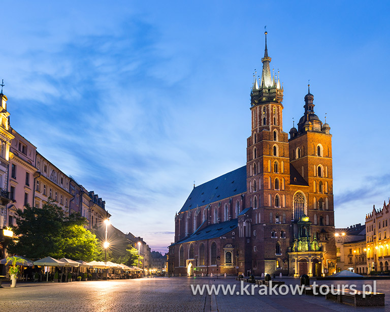 Krakow Sightseeing by GOLF CAR 45 minutes route