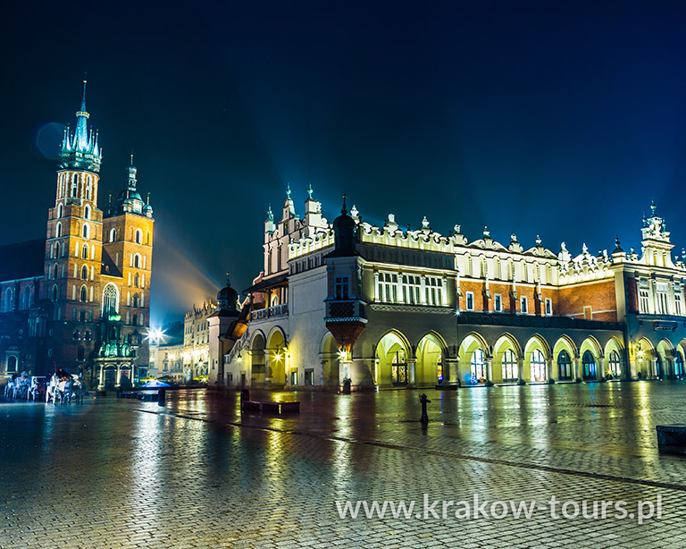 P12. Krakow by Night
